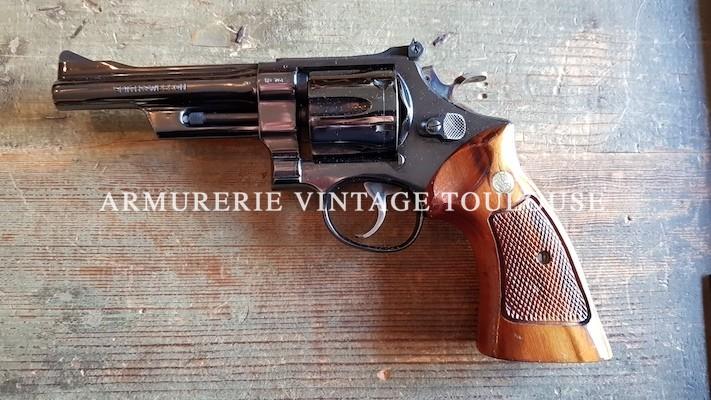 Superbe revolver calibre 357 Magnum Smith et Wesson modèle 27