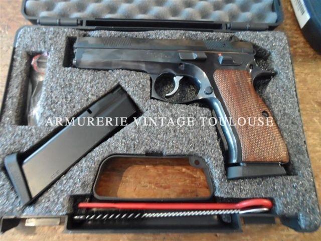 Pistolet tout acier CZ 97 calibre 45 ACP