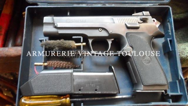 Pistolet Espagnol en acier MEGASTAR calibre 45 ACP dans sa boite ( en vrai plastique!)