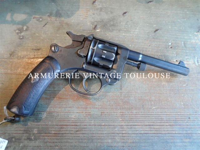 revolver réglementaire Français modèle 1892 de la série 1896