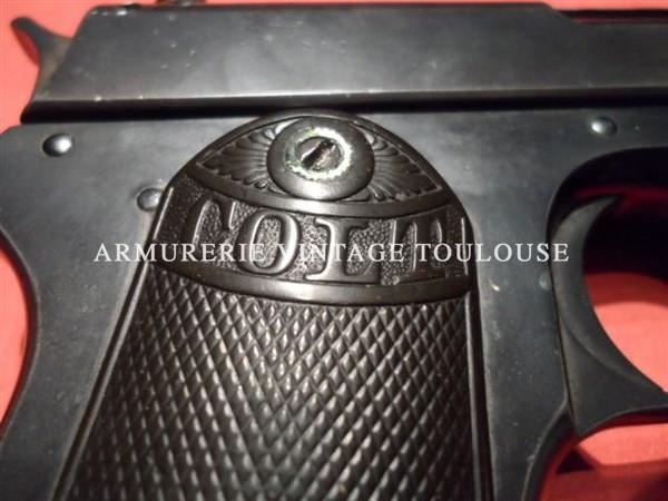 Pistolet Colt 1900