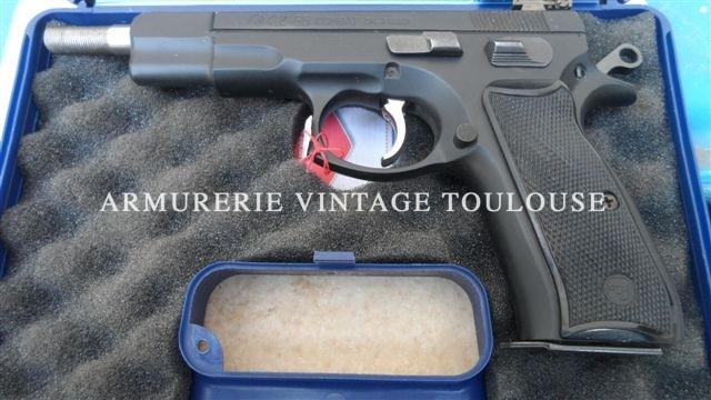 pistolet CZ 85 calibre 9×19 canon long et filetté dans sa boite