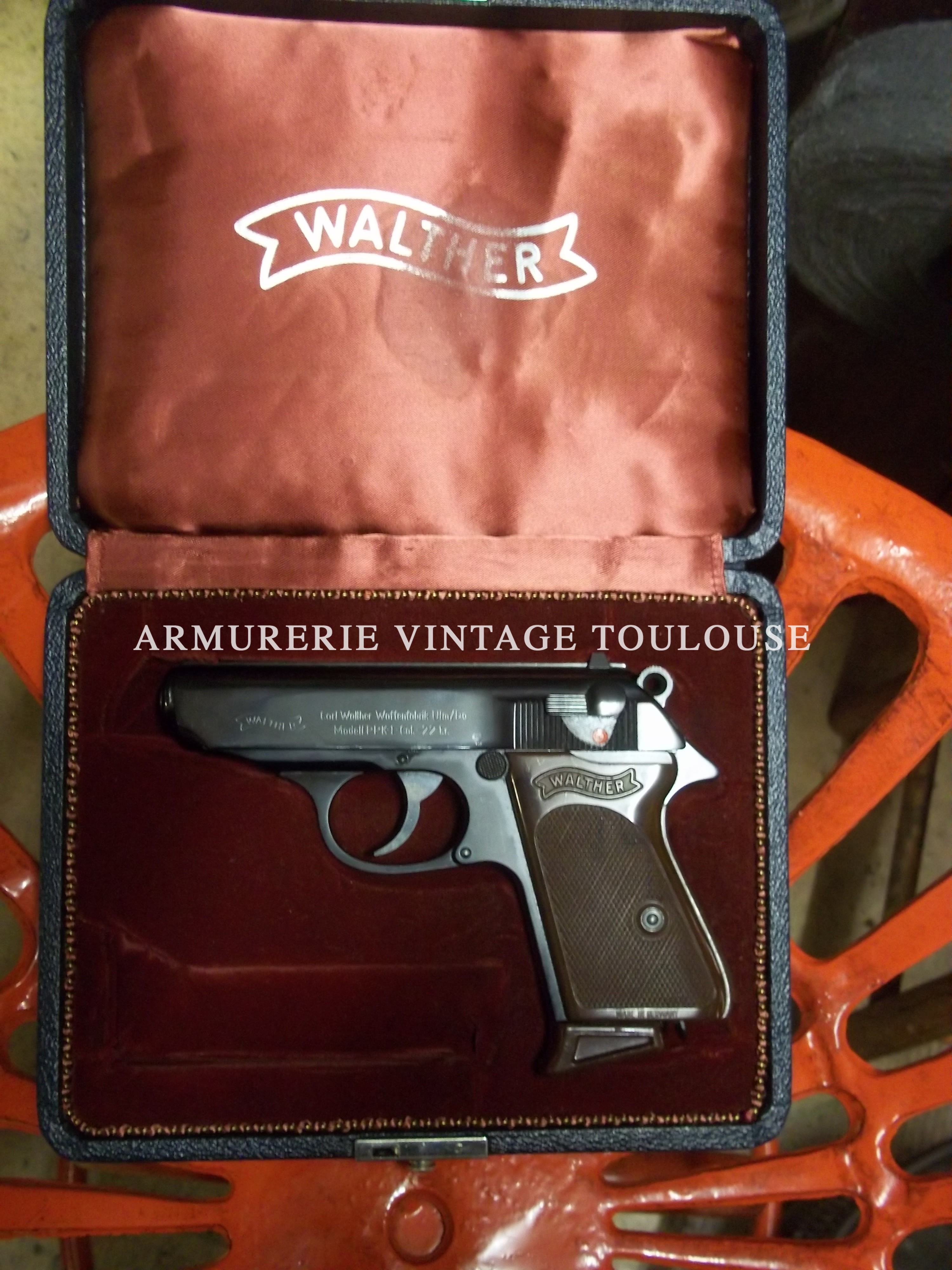 Joli petit pistolet calibre 22LR Walther PPK fabrication Walther