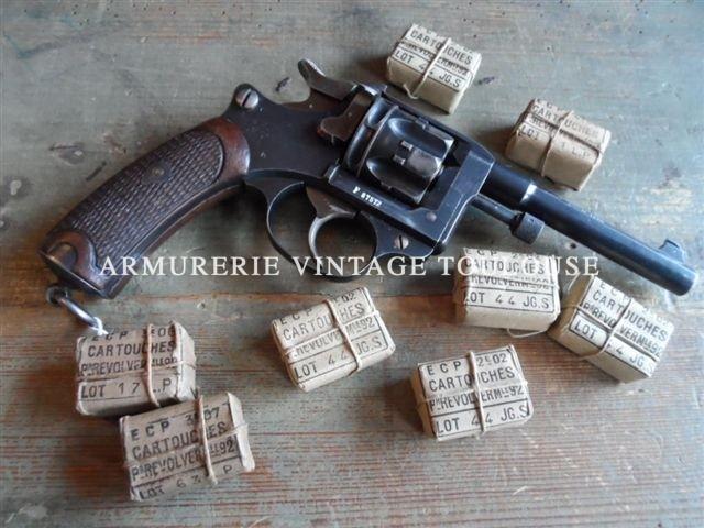 révolver Français modèle 1892 de la série 1898 trés propre!
