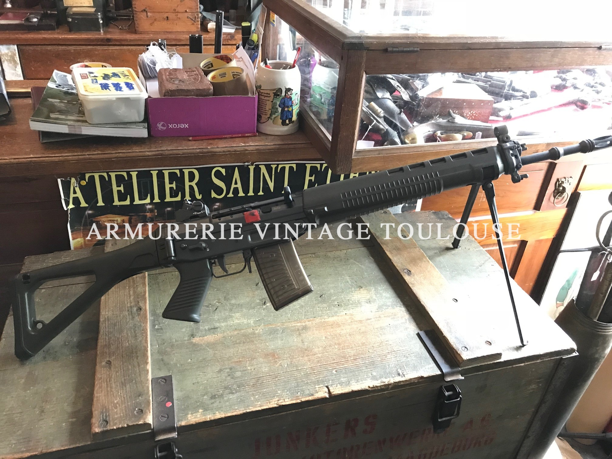 Superbe FASS 90 (SIG 550) réglementaire Suisse (version semi automatique) calibre 223 Remington