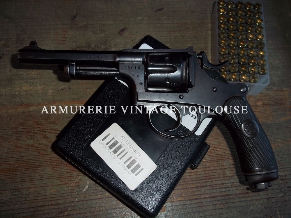 Révolver réglementaire Suisse modèle 1882 calibre 7,5 Suisse