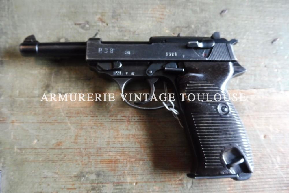 Pistolet réglementaire Allemand seconde guerre mondiale Walther P38 calibre 9 x19