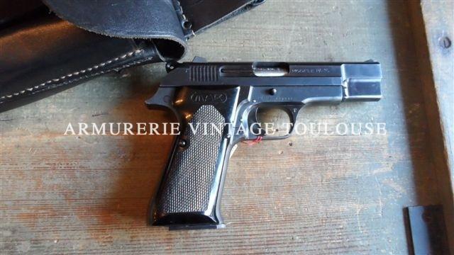 Arme de poing Française fabriquée entre 1964 et 1982 à 90 000 exemplaires