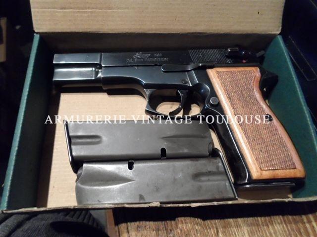 Pistolet Luger M90 calibre 9X19 tout acier, double colonne de cartouches, double action (M90)