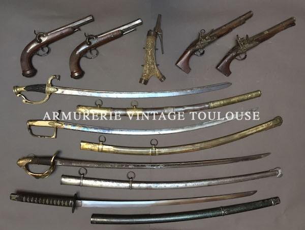 Vente aux enchères d'une belle collection d'armes anciennes et d'insignes régimentaire Français le 6 Juillet 2017 à l'étude de Maître Chausson à Toulouse à 14 h 30.