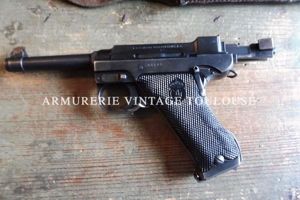Pistolet Suédois Lathi M 40 calibre 9 X 19 dans son étui réglementaire avec trois chargeurs et sa chargette !