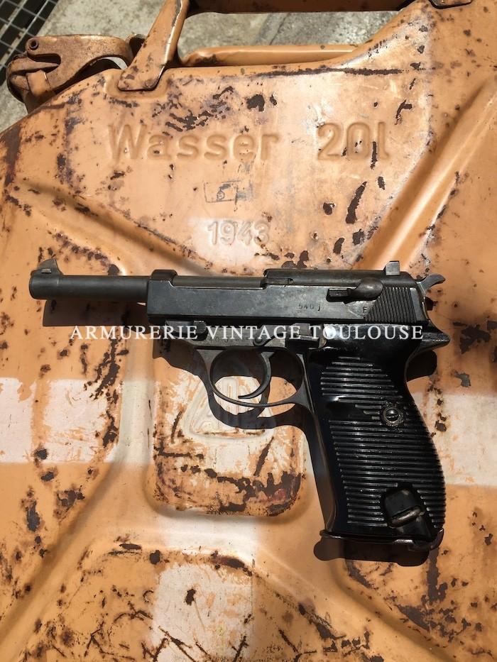 """Pistolet réglementaire Allemand Walther P 38 calibre 9 x 19 fabrication milieu de guerre chez Walther """"ac"""" 43"""