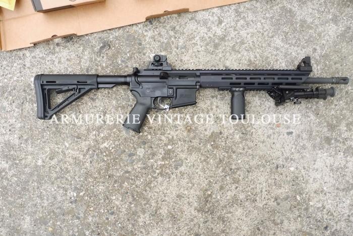 Fusil d'assaut semi-automatique MOSSBERG type MMR calibre 223 Rem