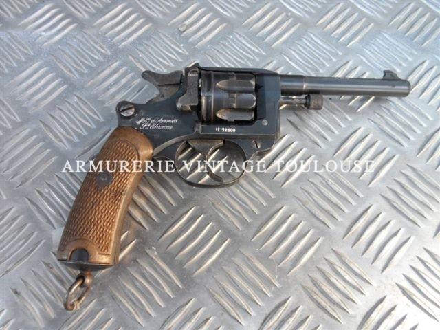 Révolver réglementaire Français modèle 1892 calibre 8mm