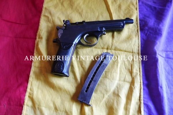 """Rareté très séduisante:Pistolet """"La Lira"""" calibre 7,65."""