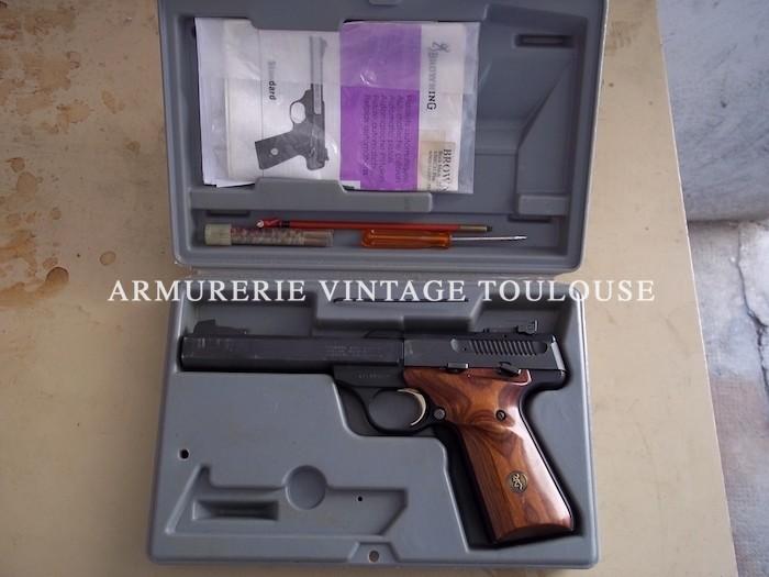 Pistolet de tir calibre 22 L.R. semi-automatique