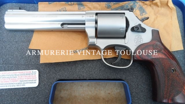 Révolver Smith & Wesson 686 international calibre 357 Magnum