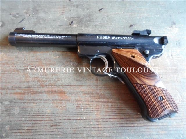 Pistolet Ruger MKII calibre 22LR bull barrel fileté au standart U.S. (12,7mm/20 filets au pouce)