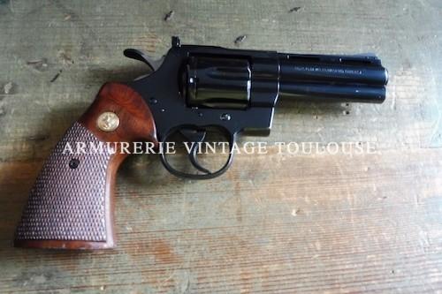 Joli Revolver Colt python