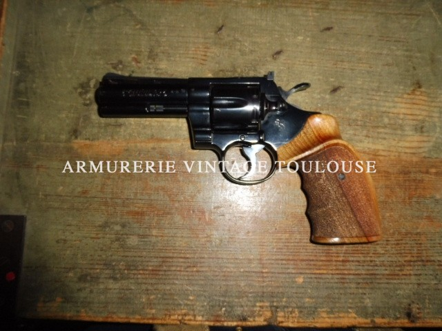 Splendide revolver Colt Python en état fleur de coin