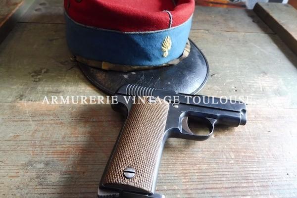 Pistolet Ruby réglementaire Français calibre 7,65