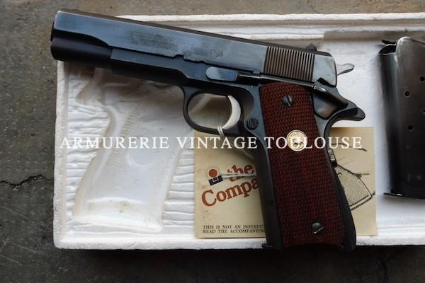 Furieusement vintage : Colt 1911 A1 serie 70 dans sa boite d'origine.