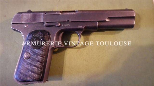 Pistolet réglementaire Suédois Husquvarna 1907