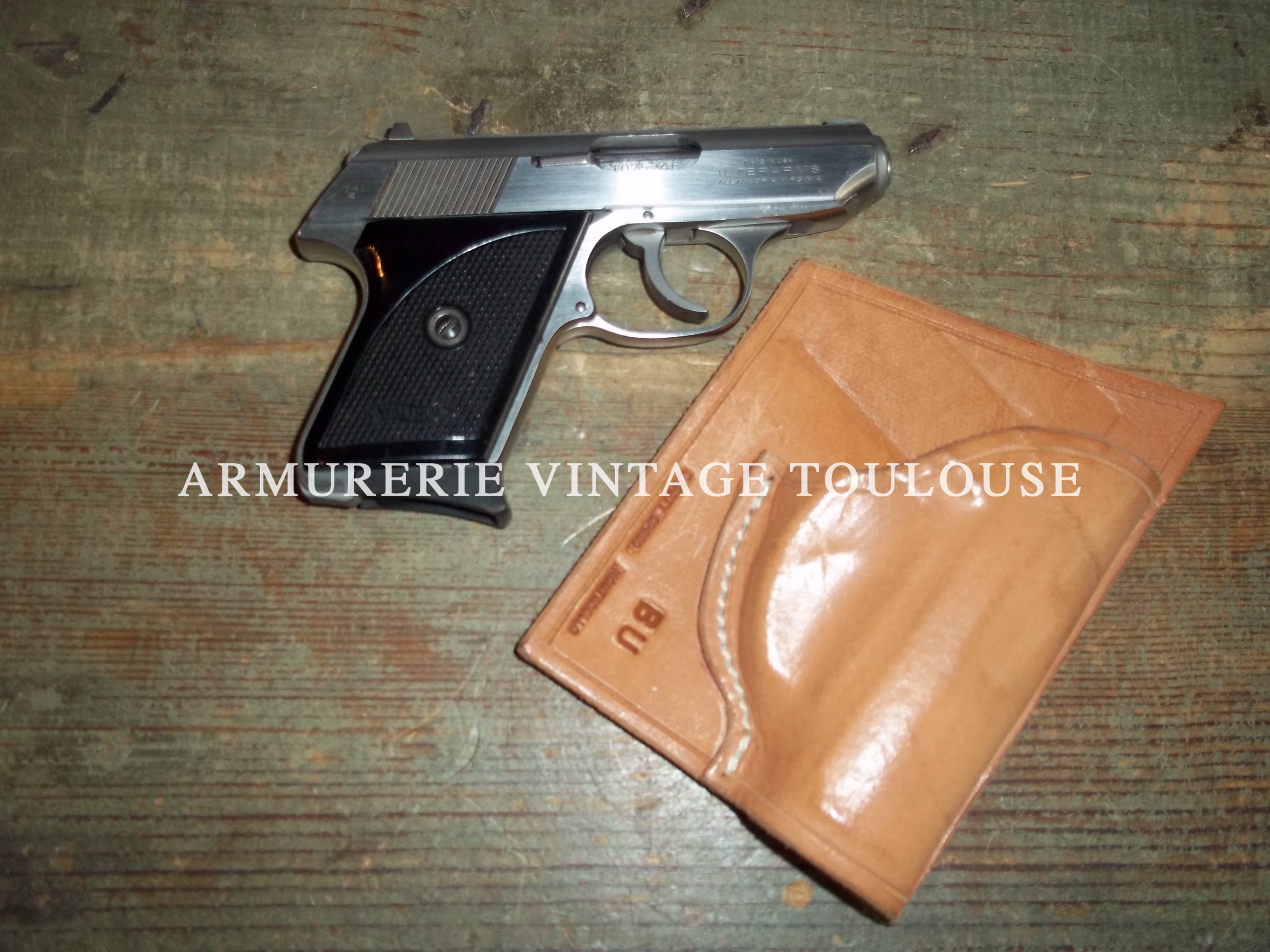 Adorable pistolet de poche Walther TPH calibre 22LR