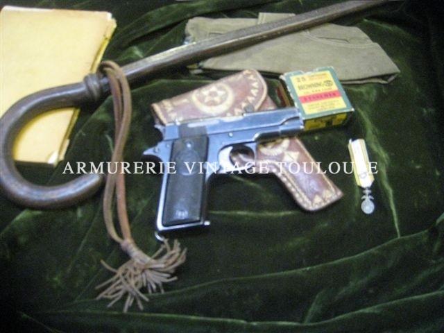 Réduction simplifié de Colt 45 par l'usine ASTRA d'Eibar (Espagne) calibre 9mm court