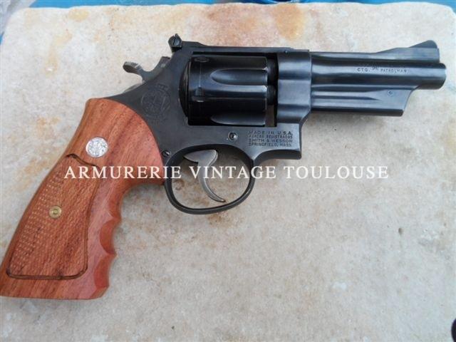 """Révolver calibre 357 Magnum Smith & Wesson modèle 28/2 """"highway patrolman"""" en canon de 4 pouces"""