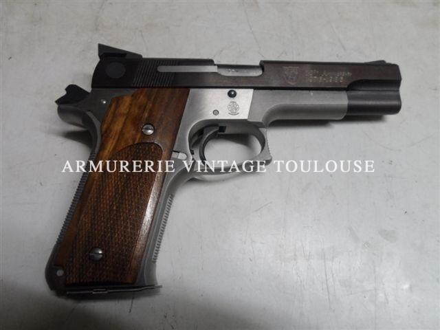 """Smith et Wesson modèle 745 commémoratif 10 eme anniversaire """"I.P.S.C."""" calibre 45 ACP"""