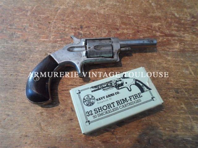"""Révolver de poche """"VICTOR"""" calibre 32 annulaire"""
