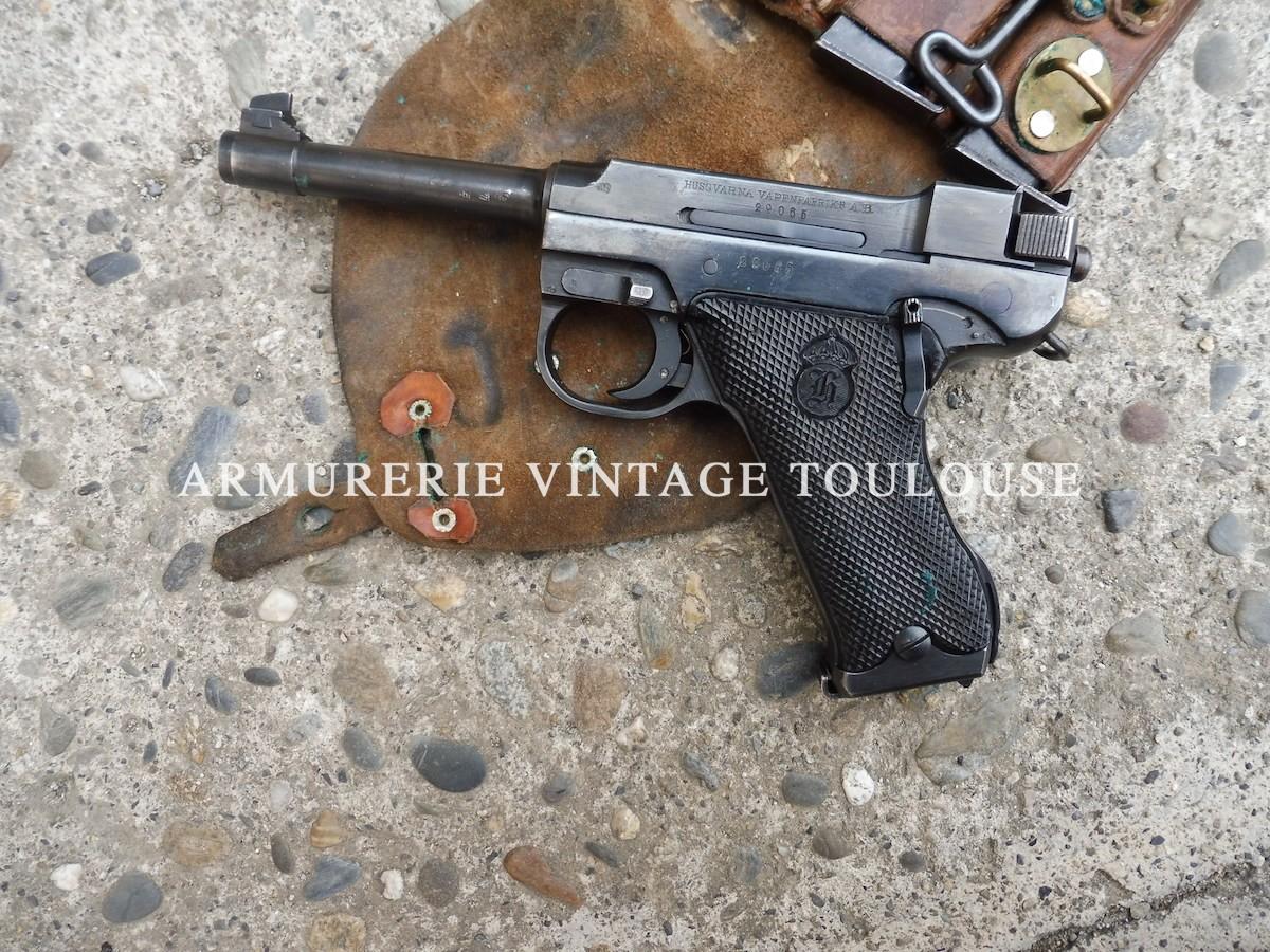 Rare et joli pistolet réglementaire Suédois calibre 9 x19 Lathi M 40 fabrication Husqvarna