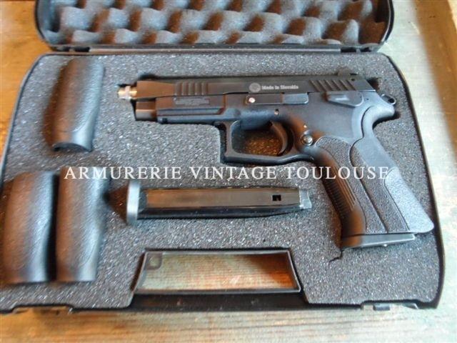Pistolet semi-automatique Slovaque calibre 9X19 GRAND POWER Modèle K100