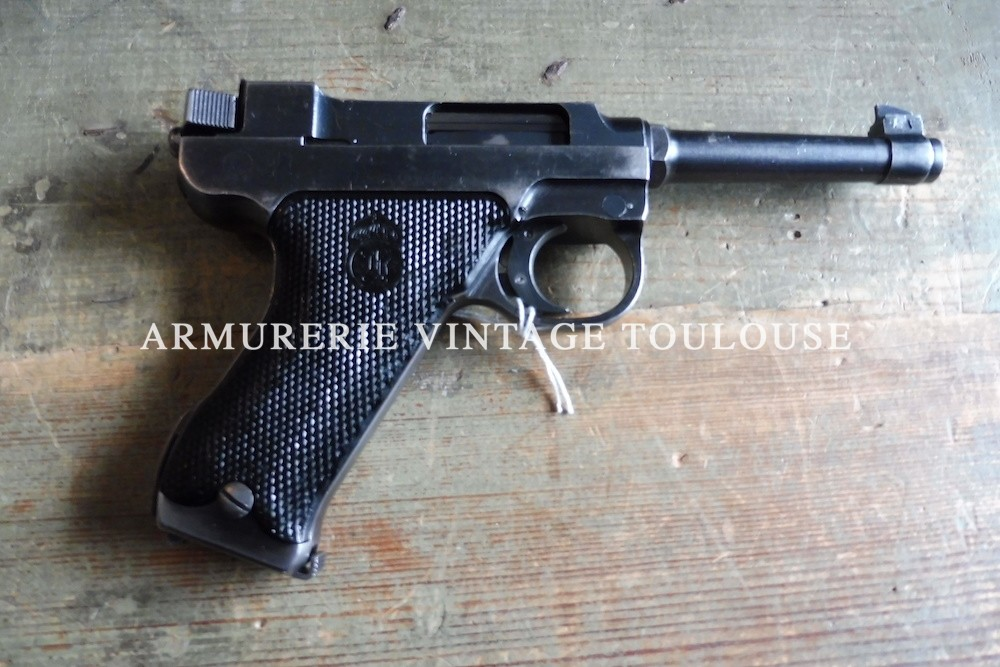 Pistolet Réglementaire Suédois Lathi M40 calibre 9X19.