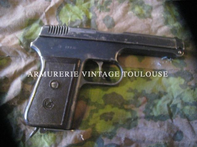 Gros pistolet CZ en 9mm Court