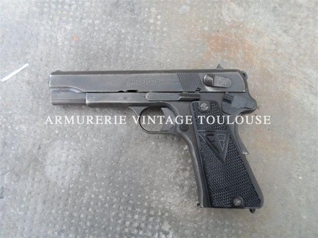 Pistolet Germano-polonais Radom VIS 35 calibre 9X19