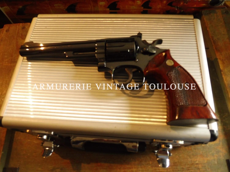 Splendide revolver Smith & Wesson modèle 19/3 calibre 357 Magnum en 6 pouces