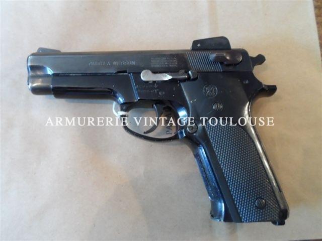 Pistolet vintage Smith et Wesson modèle 459