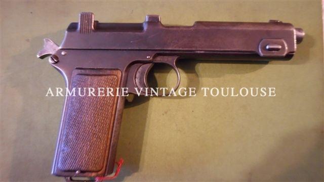 Pistolet autrichien Steyr-Hahn