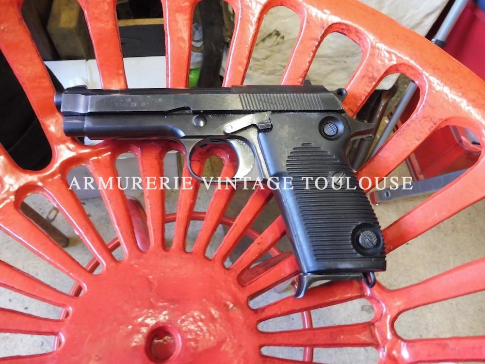 Pistolet en acier usiné Helwan Égyptien calibre 9 X19