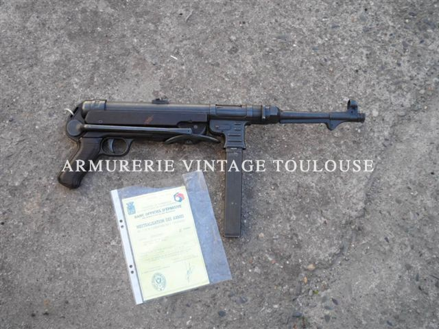 "MP 40 calibre 9X19 mono matricule fabrication ""bnz"" (Steyr Daimler Puch) en 1941"