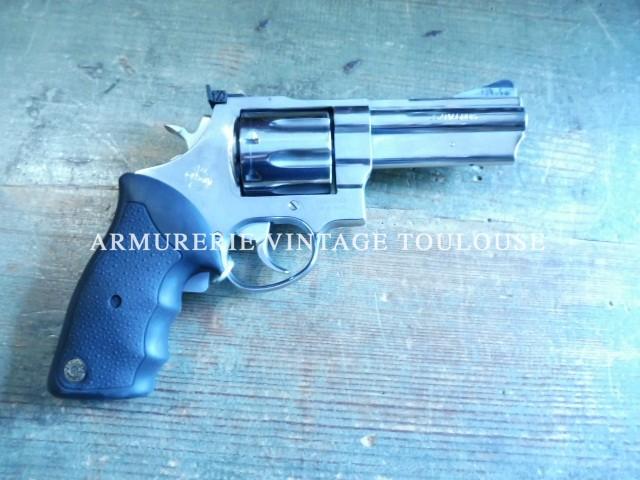 Revolver Taurus inox brillant calibre 357 Mag, canon compensé barillet 8 coups!