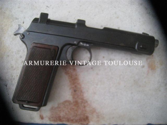 Beau pistolet Steyr Han 1912 réglementaire autrichien calibre 9 mm Steyr.