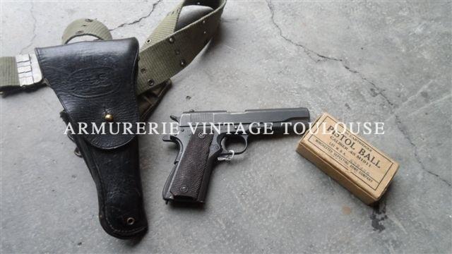 Pistolet 1911 A1 calibre 45 ACP fabrication remington dans son étui cuir avec ceinture toile