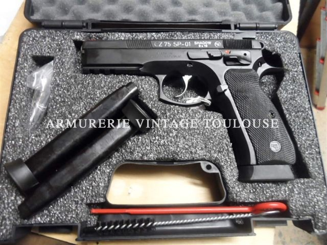 Petit lot de pistolet CZ SP 01 Shadow calibre 9×19 Parabellum,