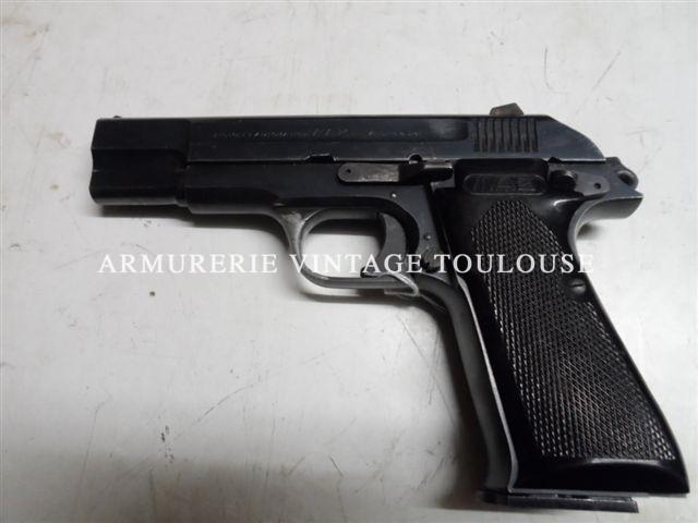 Rare pistolet Français MAB P15 à hausse fixe.