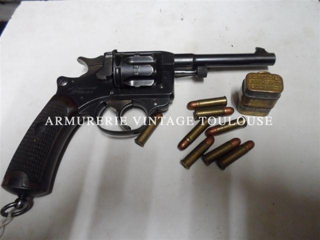 Beau revolver modèle 1892 calibre 8mm fabrication de 1896