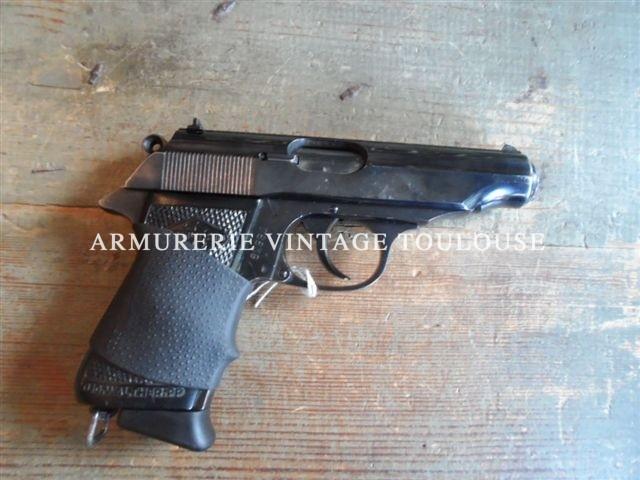 Un pistolet Walther Manurhin modèle pp en calibre 32 ACP