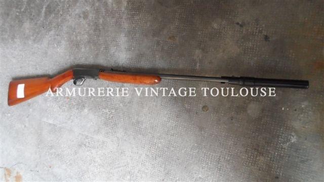 Carabine Browning semi automatique calibre 22LR dans sa boite d'origine
